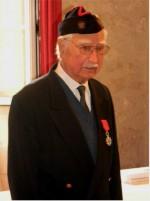photo Mr Ciucci Raymond arborant la médaille de la Légion dHonneur